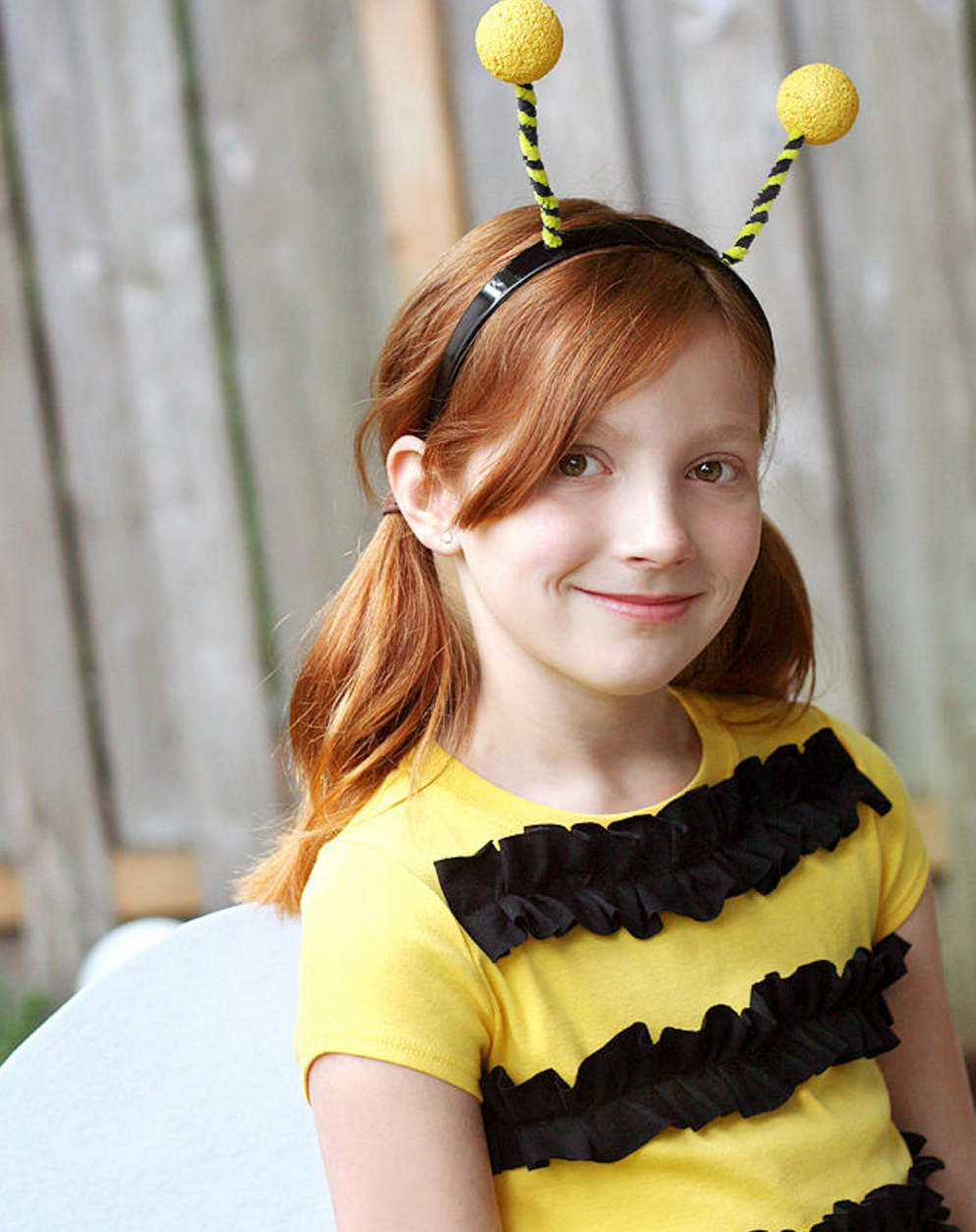 If you're busy as a bee, make this costume for your kids this Halloween