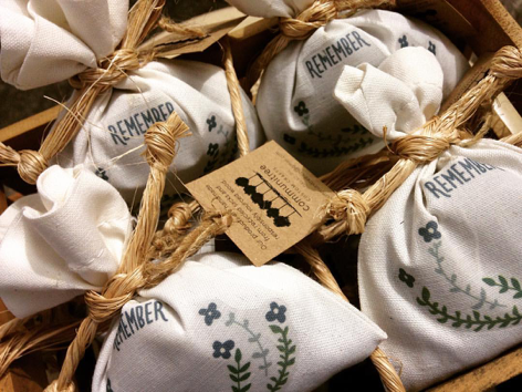 All-natural herb fresheners to deodorize your closet and drawers